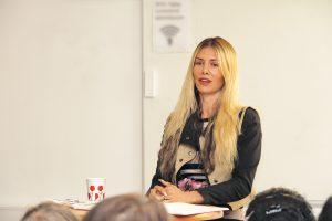 Kasja Ekis Ekman föreläser för vänstern i Göteborg