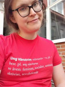 Porträttbild på Hannah Karlsson som är ny medlem i Vänsterpartiet Göteborg